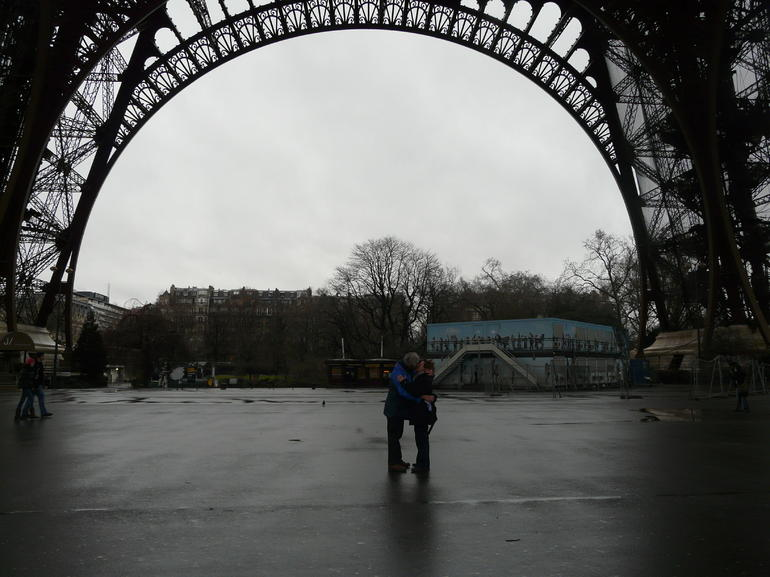 Sealed with a kiss - Paris