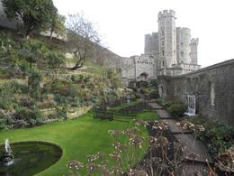Photo of London Stonehenge, Windsor Castle, Bath, and Medieval Village of Lacock Including Traditional Pub Lunch windsor