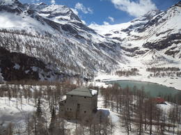 Photo of Milan Swiss Alps Bernina Express Rail Tour from Milan Belleza de los Alpes Suizos