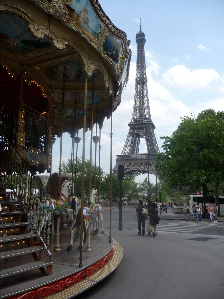 Carousel near the Eiffel Tower - Paris