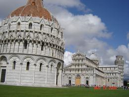 Baptistry, Cathedral and Pisa's Leaning Tower., Nabarun N - June 2008