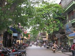 Leafy streets of Hanoi, Undercover Américan - October 2010