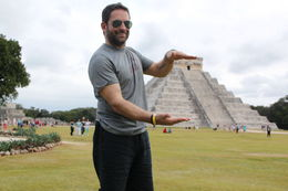 Holding Chichen Itza in the palm of my hand .... , Evo - February 2016