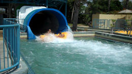 Making a splash at Wet 'n Wild Orlando! - February 2012