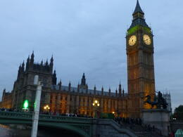 Beautiful cruise from Tower to Westminister , annmarie - October 2012