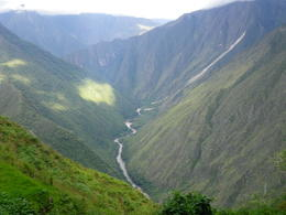 A river flowing through the mountains., Rodrigo E - December 2011