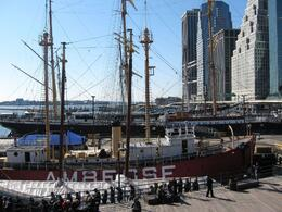 Photo of null New York in One Day Sightseeing Tour South street Seaport