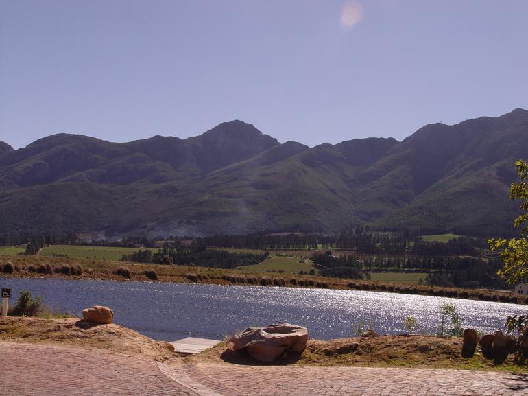 Beautiful scenery of Cape Winelands - Cape Town