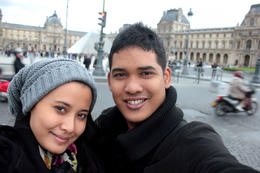 stop at musee de lourve! , Nur atiqah S - October 2011