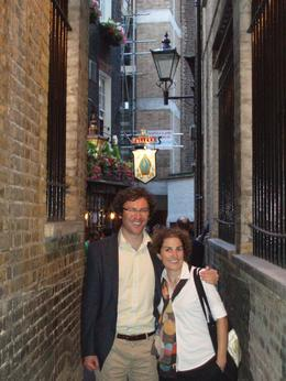 Discovering some of London's finest pubs down the streets of Holborn - July 2010