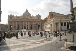 A photo of Saint Peter's square. , Sharon M - May 2015