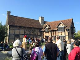 Photo of London England in One Day: Stonehenge, Bath, the Cotswolds and Stratford-upon-Avon Day Trip from London Viewing an impromptu performance at Shakespeare's birthplace.