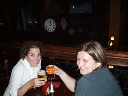 London pub tour: a few drinks later....getting the beer goggles on!! - July 2010