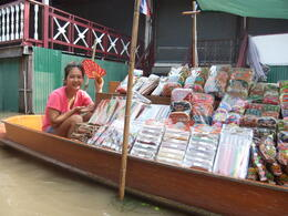 Photo of Bangkok Floating Markets of Damnoen Saduak Cruise Day Trip from Bangkok Selling with a smile!