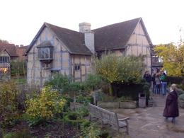 Shakespears childhood house in Stratford upon Avon. View in the garden., Daniel V - November 2009