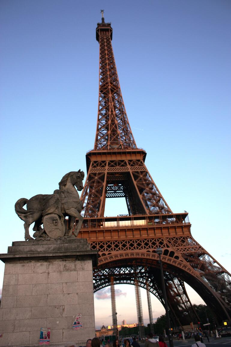 Eiffel Tower - New York City
