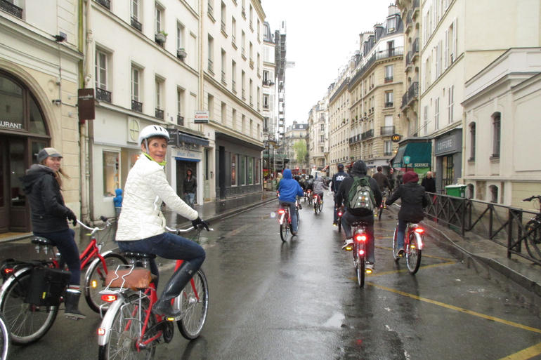 Biking through the streets of Paris - Paris