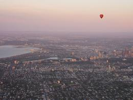 There were 2 balloons flying over Melbourne, this is a view of our compatriots. - December 2009