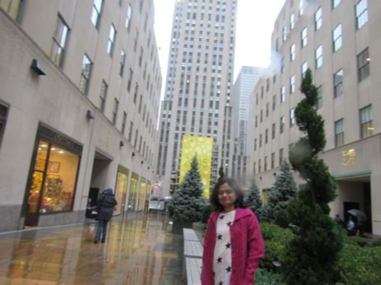 Me in front of rockefeller center