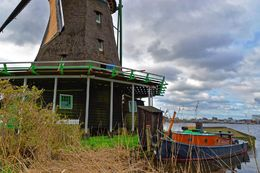 One of the working windmills we visited on the tour. , John D - April 2015
