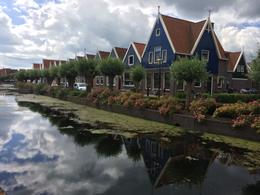 Photo of Amsterdam Amsterdam Super Saver: Zaanse Schans Windmills, Delft and The Hague Day Trip Houses in Volendam