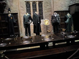 Photo of London Warner Bros. Studio Tour London - The Making of Harry Potter Mesa da sonserina.