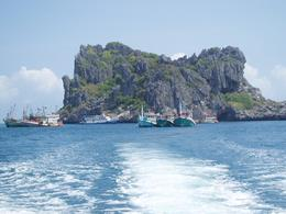 Approaching an island in Ang Thong, Undercover Américan - October 2010