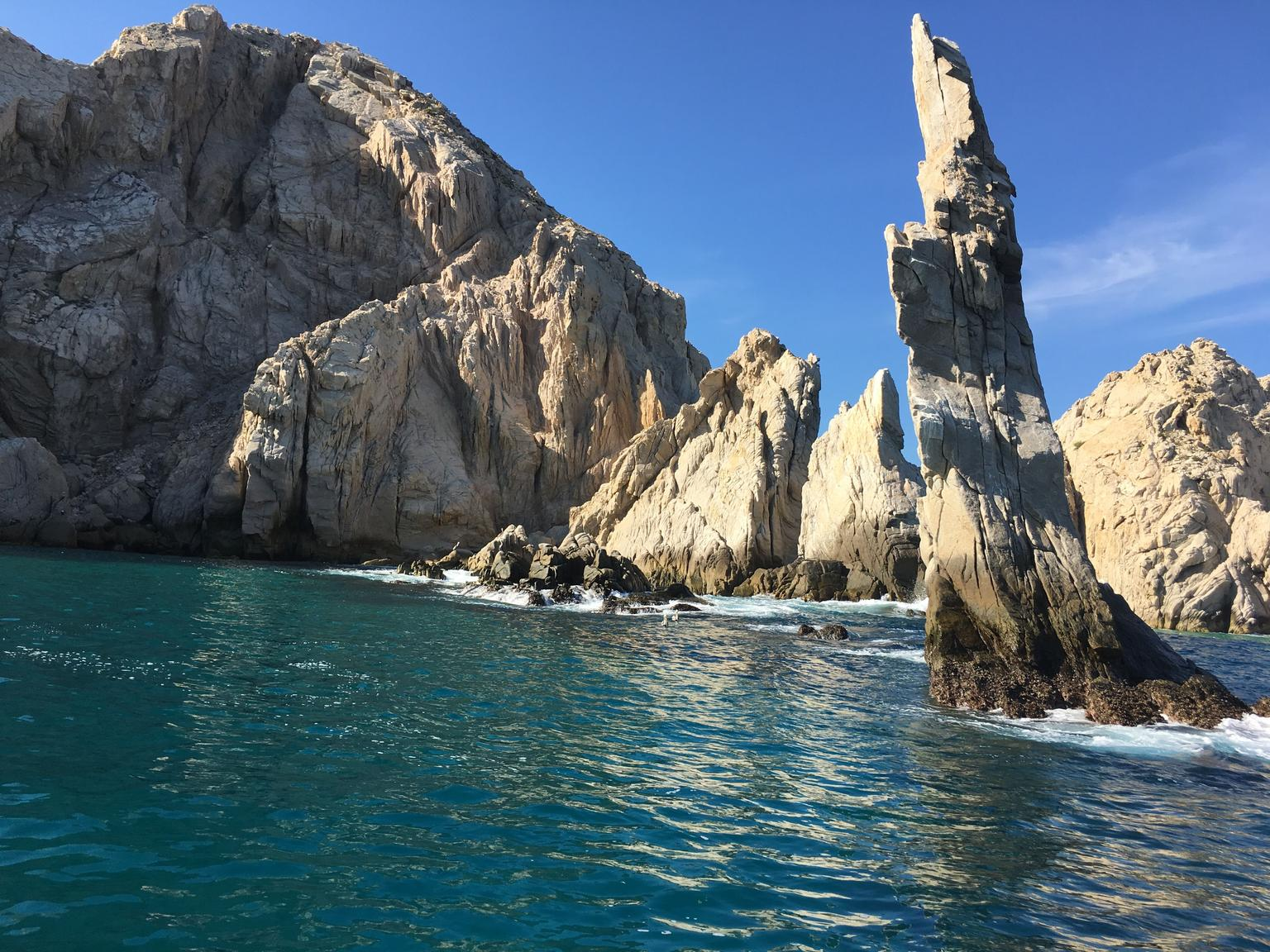 Los Cabos in One Day: Sightseeing Tour, Arch Boat Ride, Tequila Tasting, and Lunch