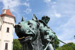 Photo of Prague Konopiste Castle Half-Day Trip from Prague Konopiste courtyard statue