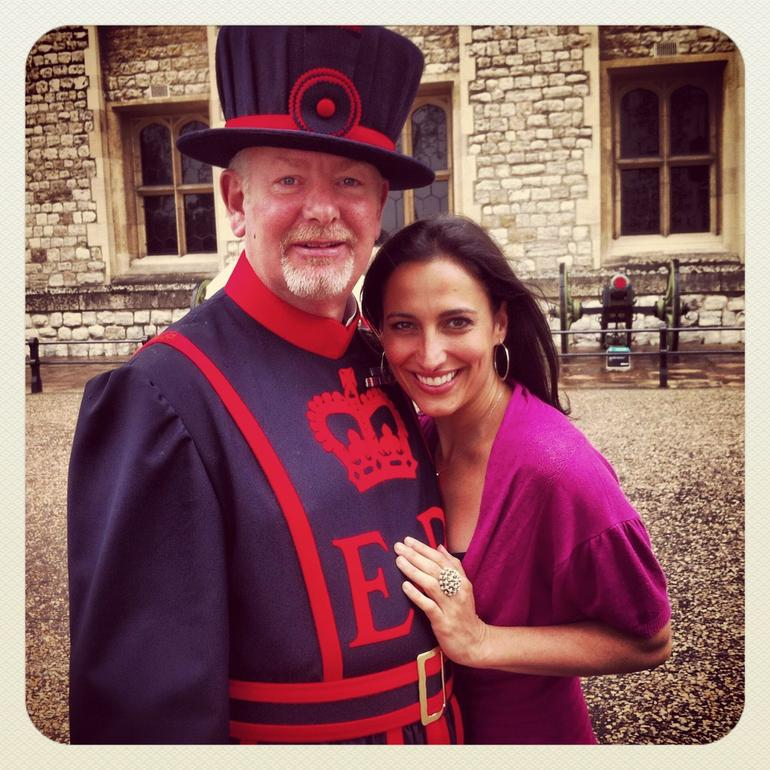 Thames River Cruise, Tower of London and City of London Tour - London