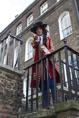 In addition to your traditional type of tour guides, there are actors who will give you a taste of living life inside the Tower of London in and quot;times of old and quot;. , Trixy - June 2013