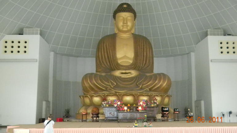 Giant Statue of Buddah - Singapore