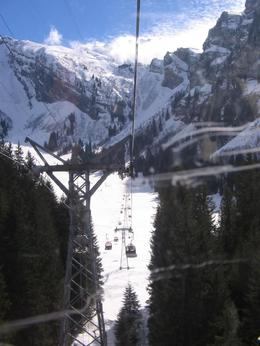 Coming down in the ski lift at Mt Titlis. - March 2008