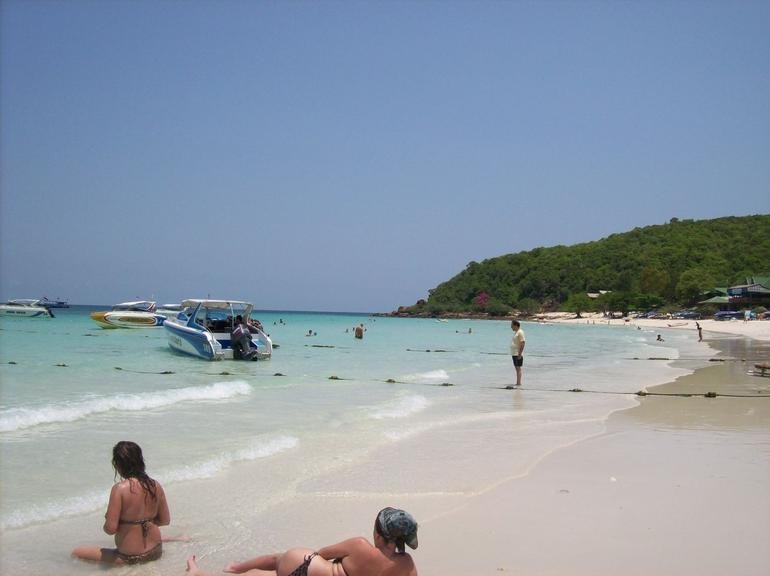 Tien Beach on Koh Larn - Pattaya