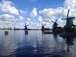 Les moulins du village pittoresque de Zaans Schans , Charles B - May 2015