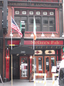 Photo of New York City New York TV and Movie Sites Tour Bar de How I met your mother