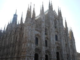 Gorgeous Milan Duomo!! , Linda H - October 2011