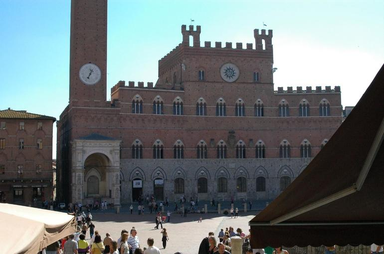 Sienna square - Florence