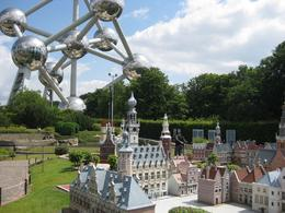 The big atom, the small models. See the person in the background, that gives you a sense of scale. - September 2009