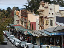 Morning tea stop in Leura on the way to the Scenic World in the Blue Mountains. , Kevin F - June 2014