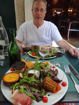 plenty of time for a great lunch in the middle of town , Mark J R - September 2013