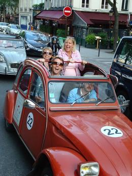 Photo of Paris Private Citroen 2CV Tour: Essential Paris Paris 2CV Tour