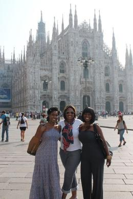 With family and friend visiting the Piazza del Duomo , Nikki H - October 2011