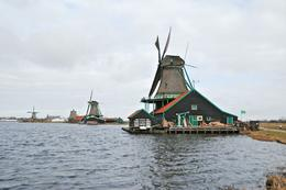 Very beautiful windmills., Nay L - March 2010