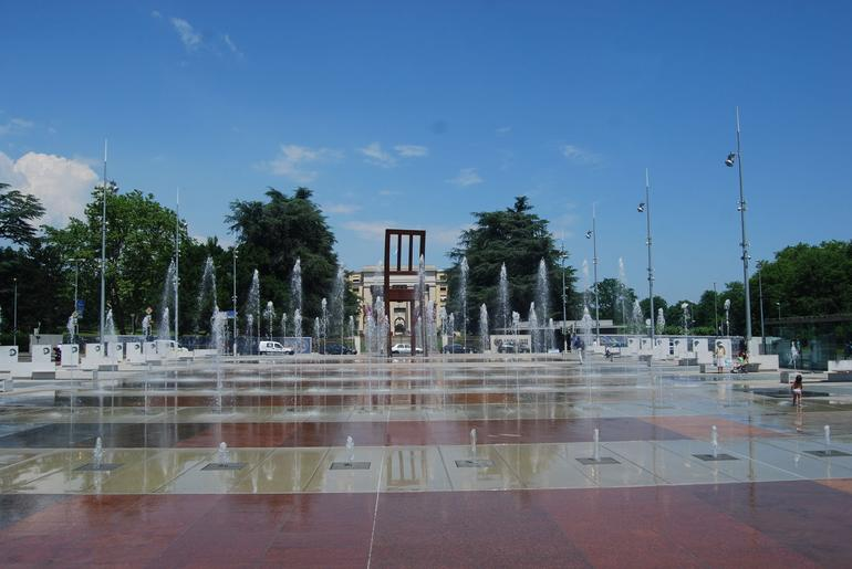 The fountain in front of the UN - Geneva