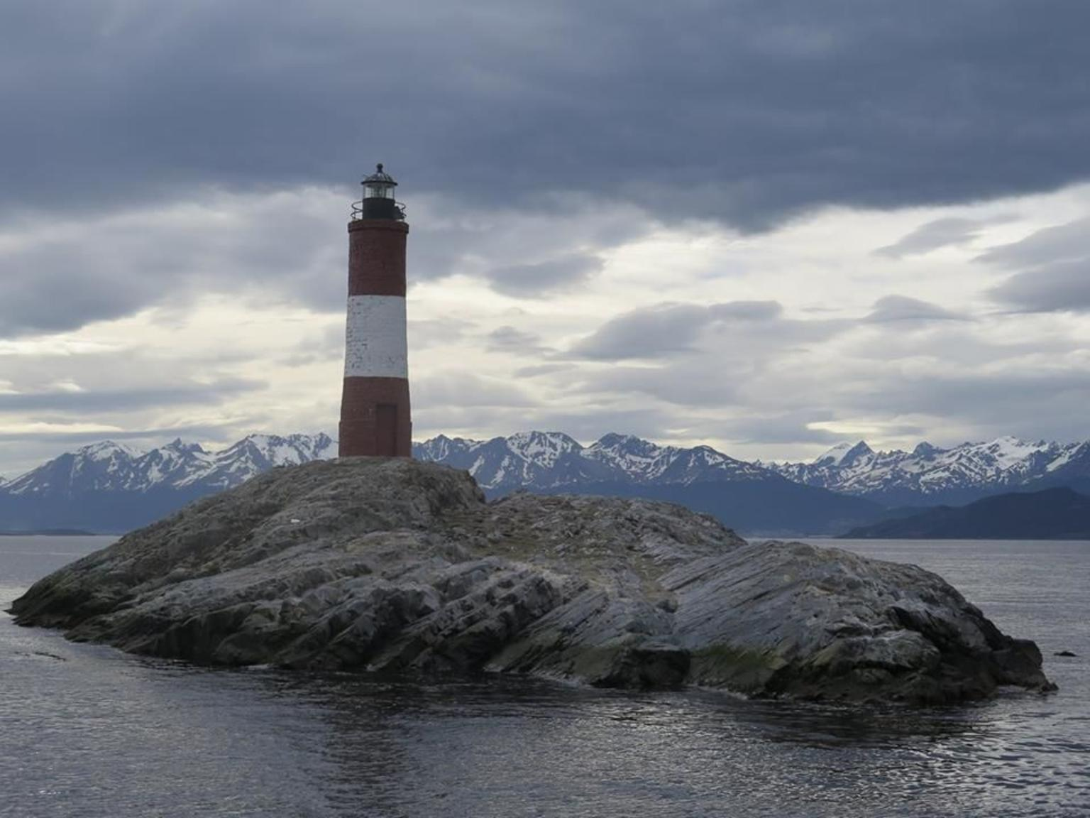 Tierra del Fuego and Beagle Channel Combo Tour by Train and Boat