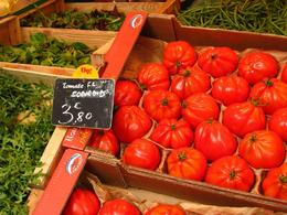 The fresh fruits and vegetables are simply amazing. - November 2008
