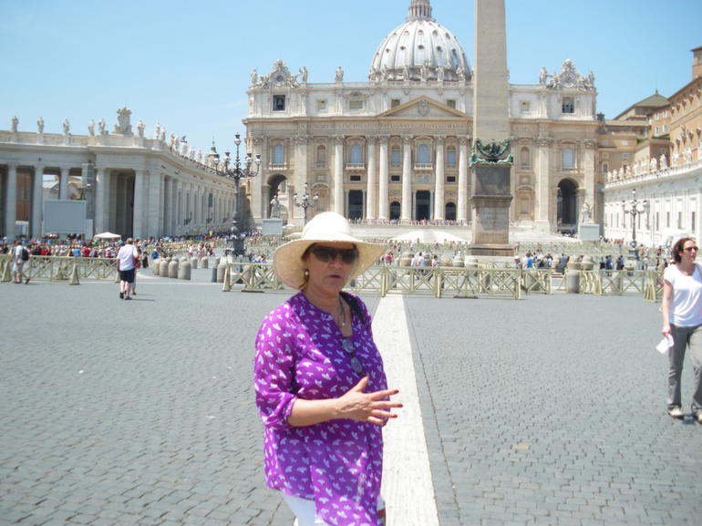 St. Peter's Sqaure in all it's glory! - Rome