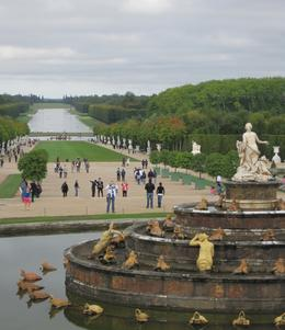 A beautiful shot of the canal and fountain in the foreground., John R - September 2010