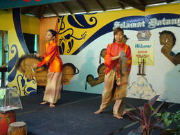 Photo of Singapore Malaysia Johore Bahru Half-Day Tour from Singapore 2 girls dance